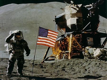 Universal пригласила Гослинга на Луну