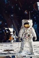 Гослинг полетит на Луну