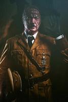 Постеры: Гитлер-рептилоид в Восточном экспрессе