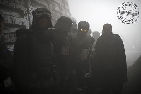 Фотокадры: мир после космических войн титанов