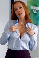 Джиллиан Андерсон займется половым просвещением