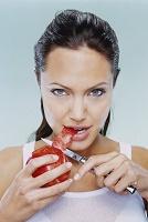 Анджелина Джоли жаждет мести