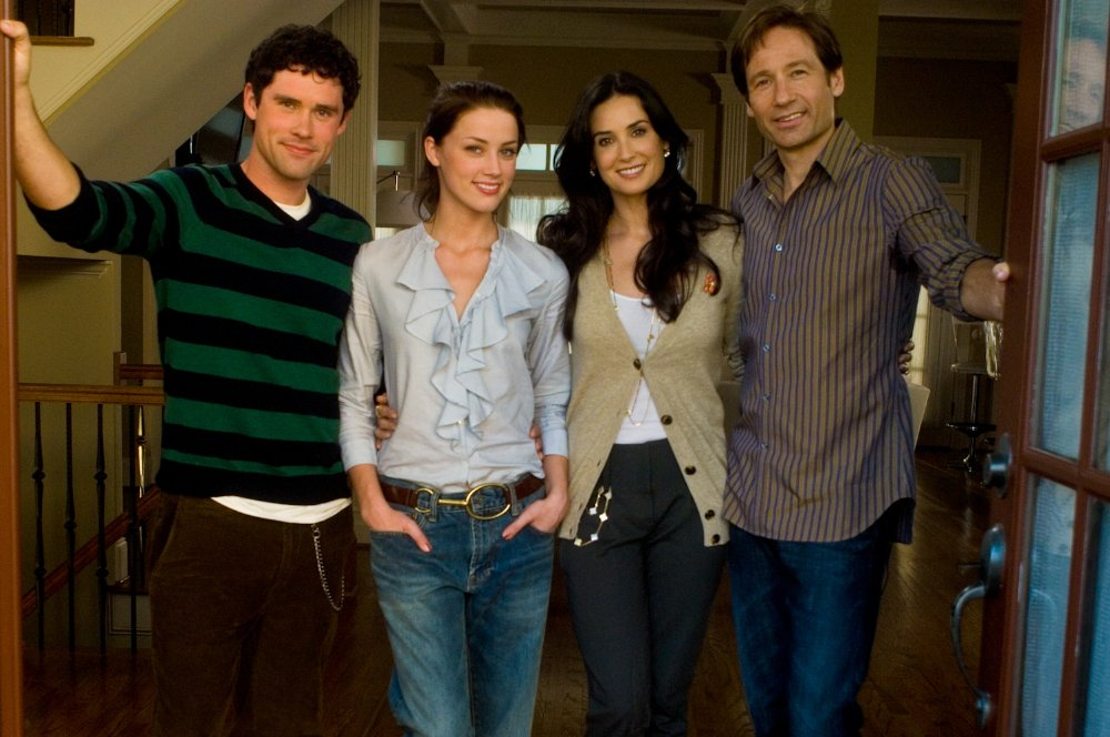 the joneses In the new film the joneses, steve (david duchovny) and kate jones (demi moore), along with their two teenage children, move into an upscale community with the best goods, clothing and cars that anyone in the neighborhood has ever seen.