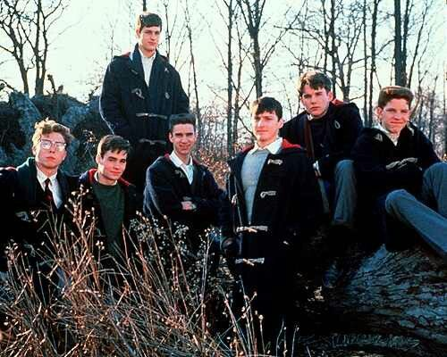 an overview of the use of carpe diem as a main theme of dead poets society the movie