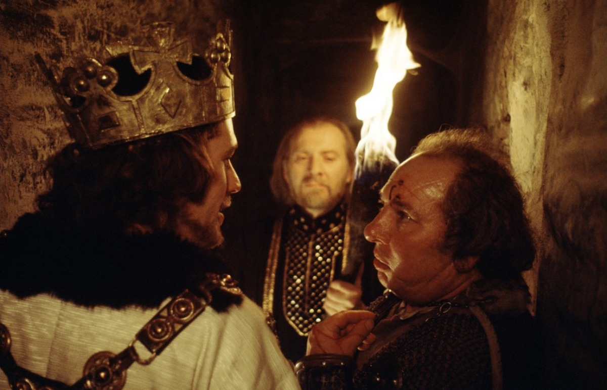 macbeth 16 The witches hail macbeth as thane of glamis, thane of cawdor, and king hereafter (1347) banquo asks macbeth why he seems to fear this good news, then questions the witches about his own future banquo asks macbeth why he seems to fear this good news, then.