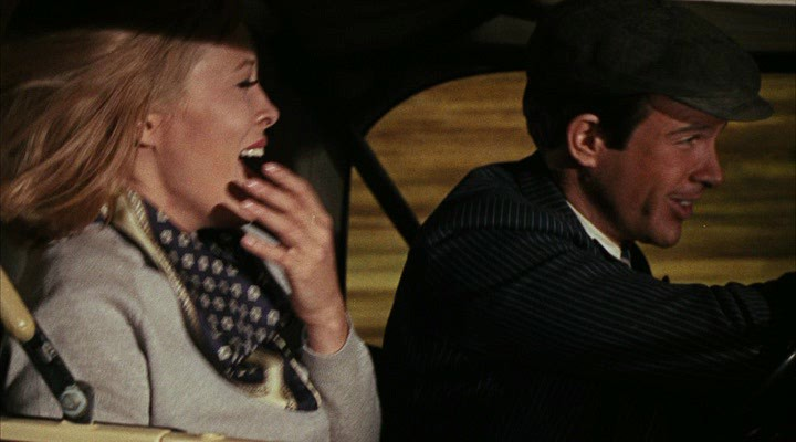a comparison of clyde barrow and bonnie parker upon the burst in american southwest in the great dep Clyde barrow and bonnie parker burst upon the american southwest in the great depression year of 1932 at the time of clyde' s first involvement in a murder, people paid little attention to the event.