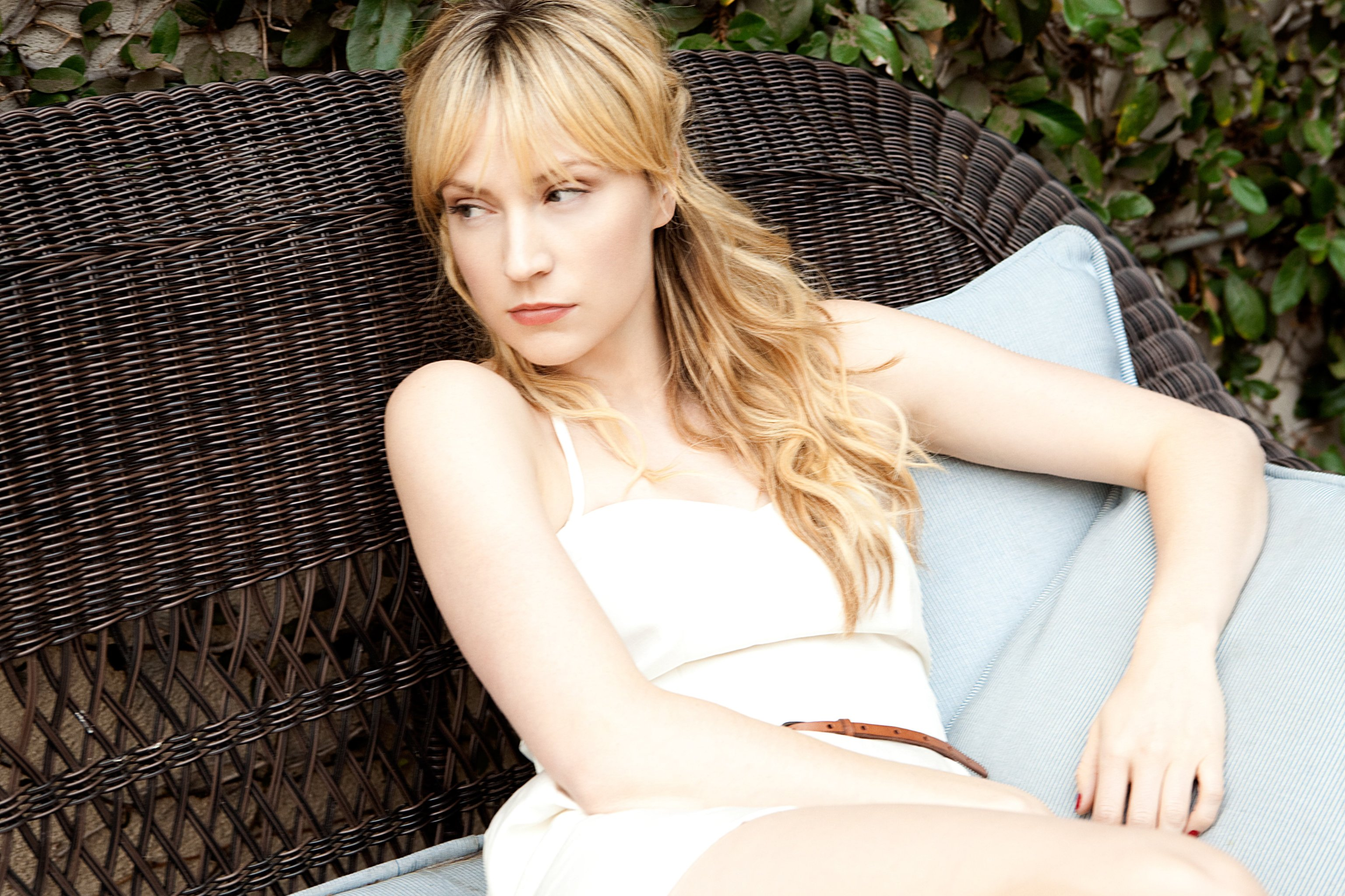 Beth Riesgraf Nude Photos 14