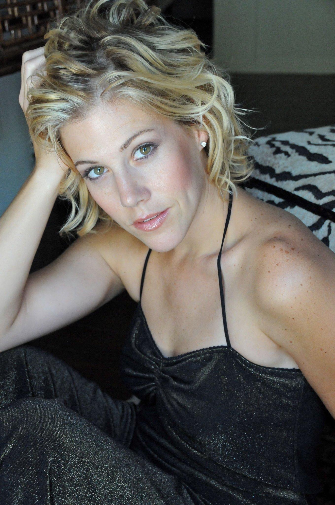 Twitter Alexandra Stark naked (55 photo), Sexy, Bikini, Feet, bra 2006